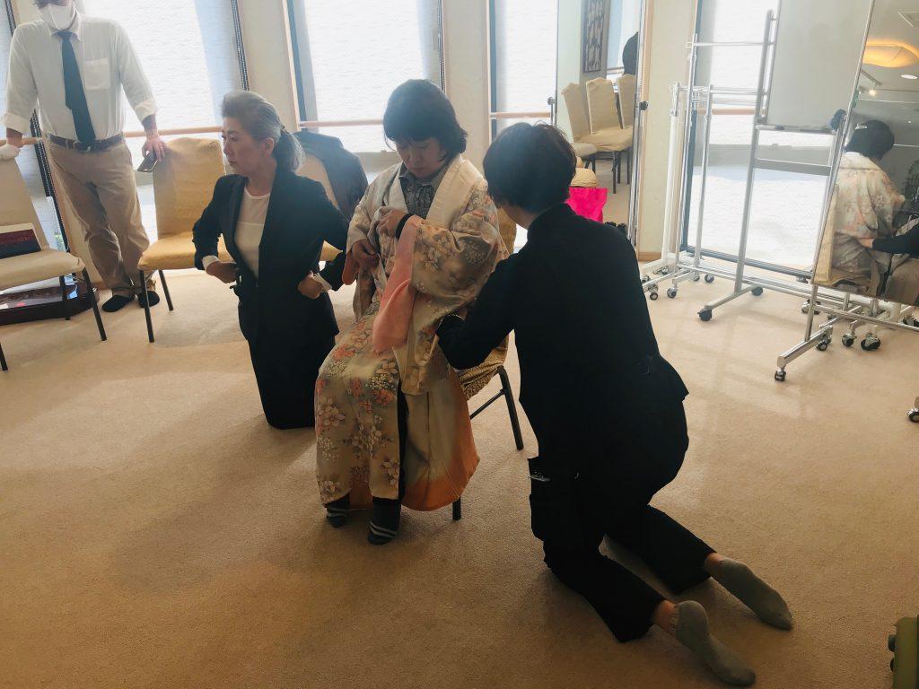 障害者着付け講習会 豊田市、岡崎市、みよし市、日進市、東郷町の成人式の着付けは川平屋まで